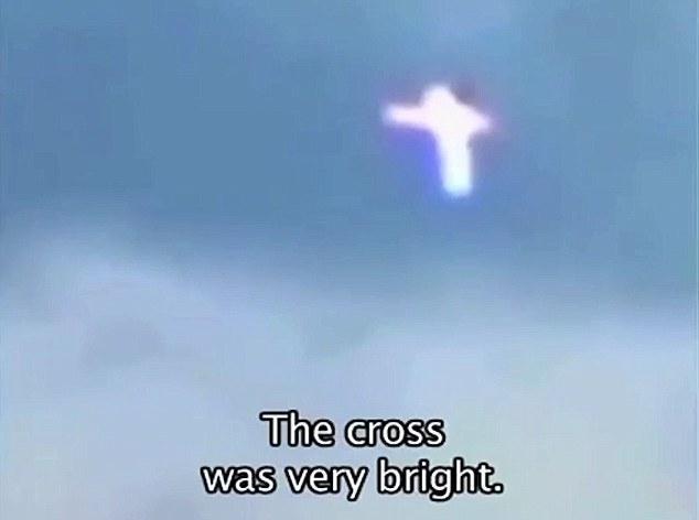 """乌克兰上空频现""""发光十字架1.jpg"""