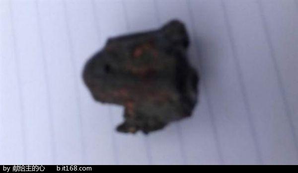 印度疑陨石从天而降~ 司机被砸身亡事件的启示.jpg