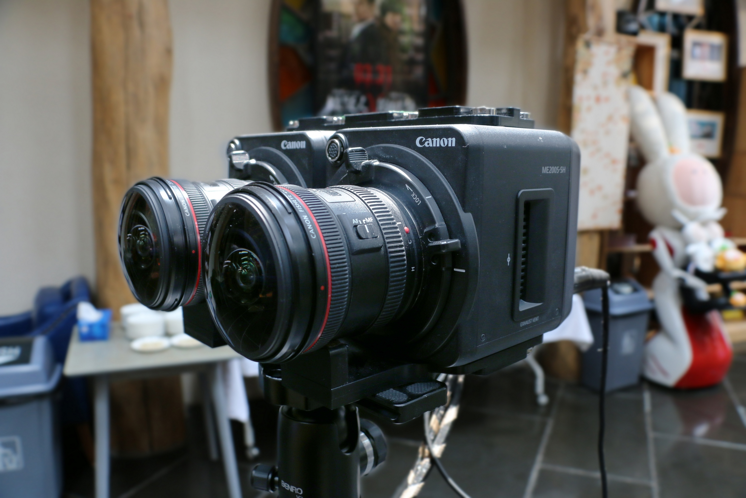 04 佳能ME200S-SH被应用于180°立体拍摄的全流程专业级VR解决方案.jpg