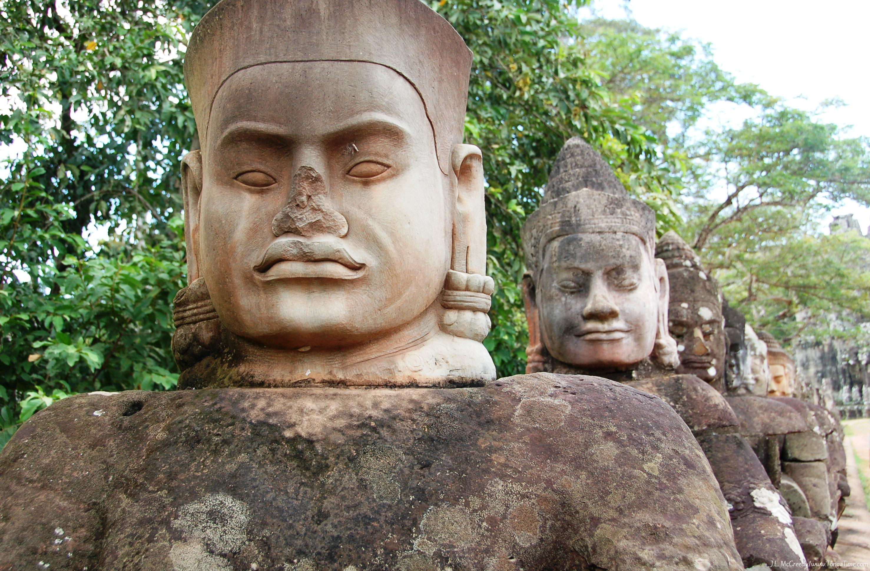 Fig-222_Angkor-Thom.Bayon-4.jpg