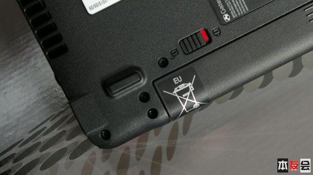 老爸 团购 一台 gateway/电池这有个标识,好像是提醒别往垃圾桶里面扔
